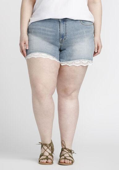 Women's Plus Size Lace Trim Short, LIGHT WASH, hi-res
