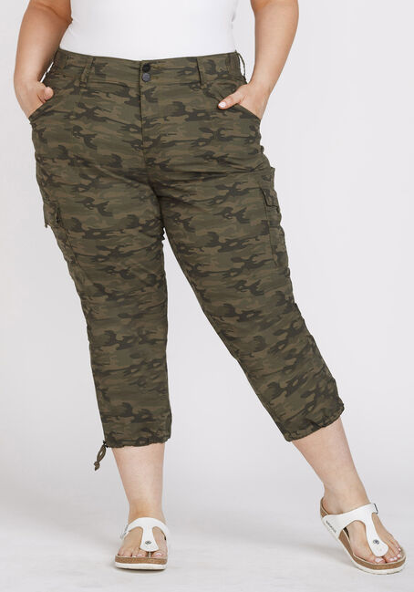 Women's Plus Size Camo Cargo Crop