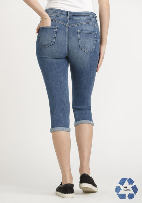 Women's 2 Button Stacked Cuffed Capri, MEDIUM WASH, hi-res