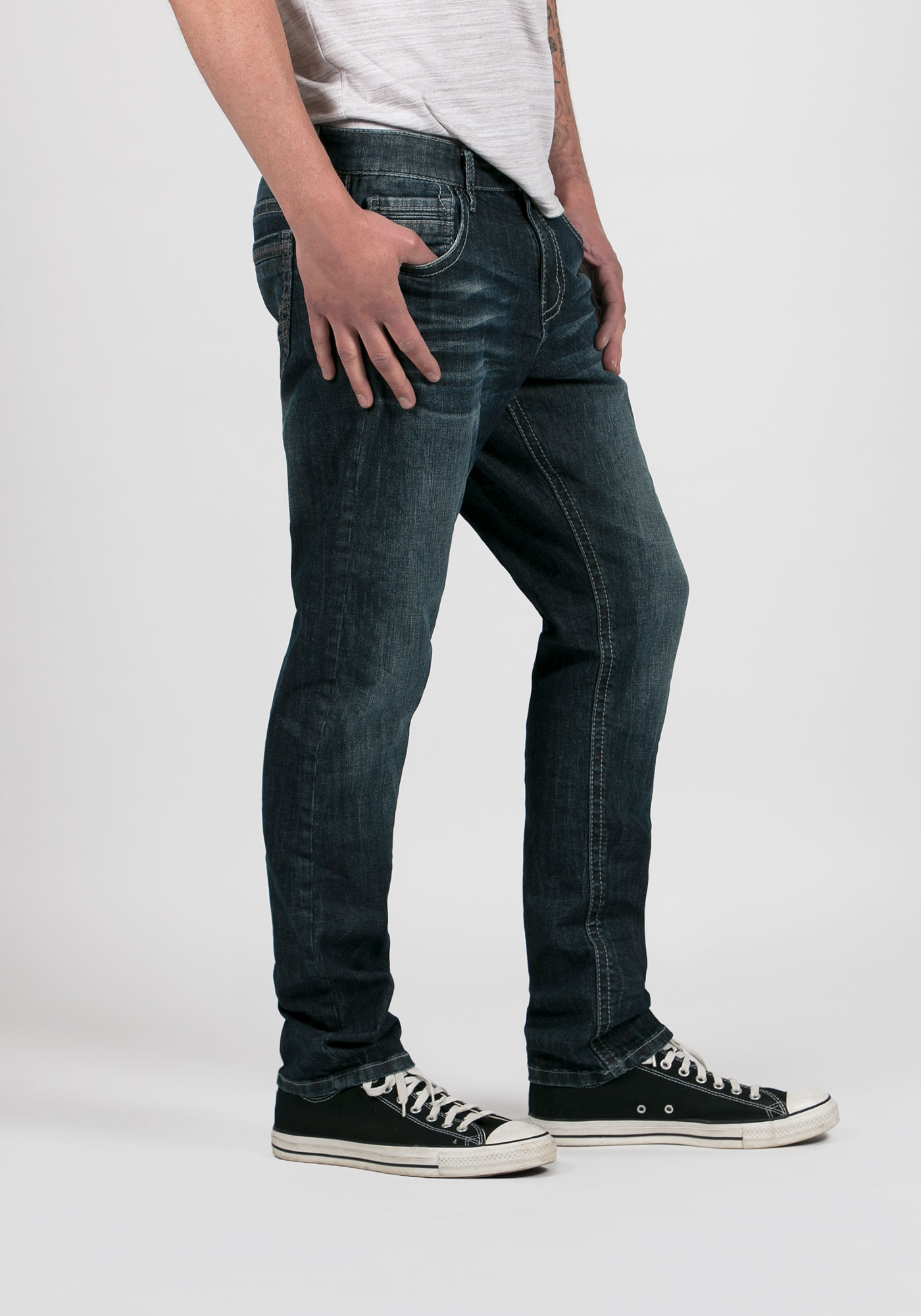 men 39 s tapered fit jeans. Black Bedroom Furniture Sets. Home Design Ideas